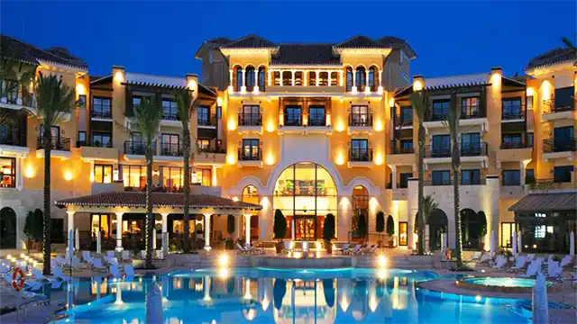 إغلاق مؤسسة فندقية في مراكش بسبب فيروس كورونا