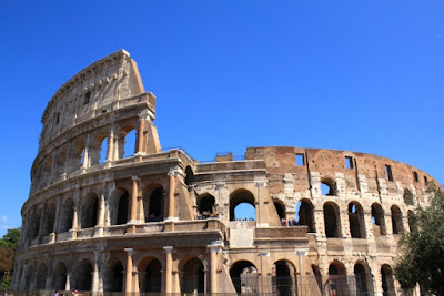 ローマは一日にして成らず ローマ帝国 コロッセオ イタリア