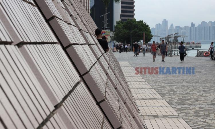 Prakiraan Cuaca : Badai Petir dan Hujan Angin Semakin Mendekat ke Hong Kong, Masyarakat diperingatkan Untuk Waspada