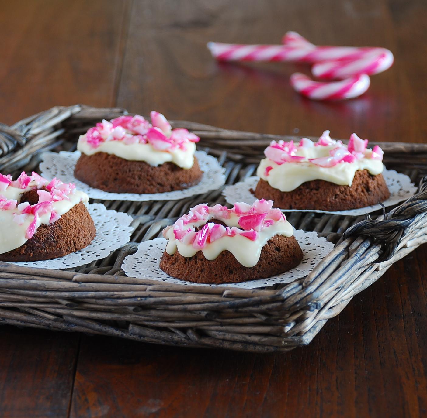 Bizcochos con chocolate y candy cane dulces bocados