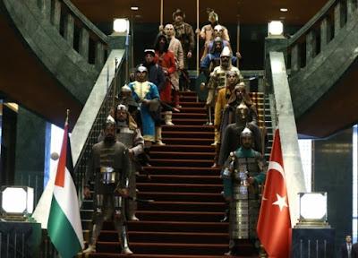 Sarayın Asgarileri