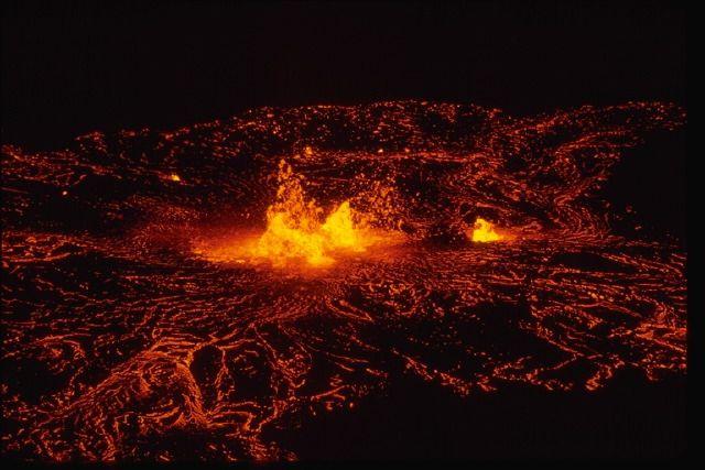 volcán-en-erupción