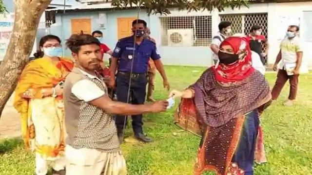 বকশীগঞ্জে মাস্ক ব্যবহার নিশ্চিতে মোবাইল কোর্ট অব্যাহত থাকবে