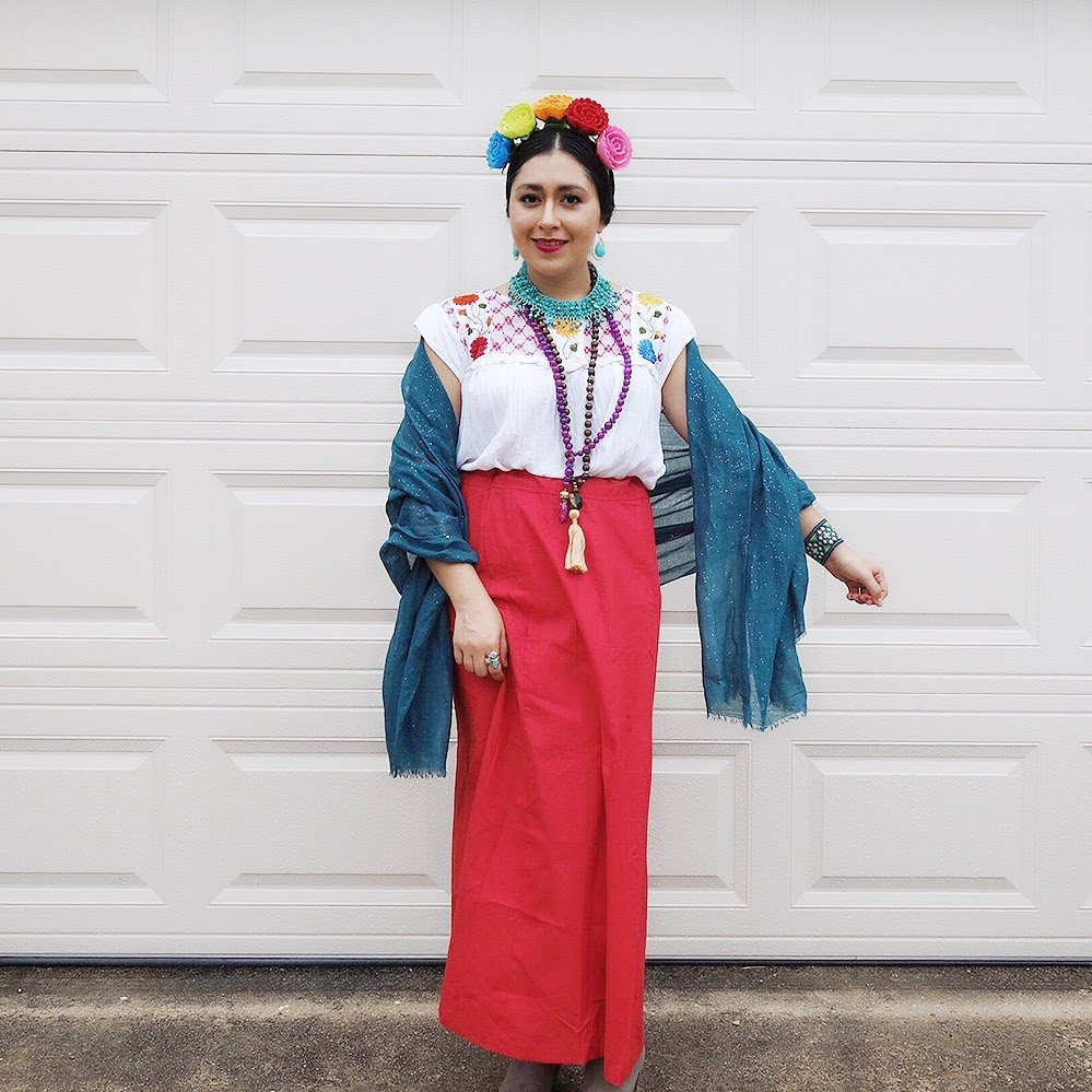 DIY Halloween Costumes, Easy Costumes, Frida Kahlo Costume, Olive Oyl costume, Costume with closet items