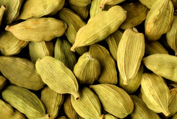 What are the benefits of cardamom for the body?