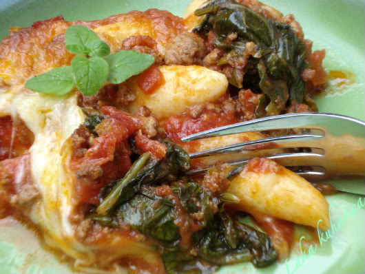 Schupfnudel Bolognese with spinach by Laka kuharica: German potato dumplings go exceptionally well with this easy Bolognese sauce.