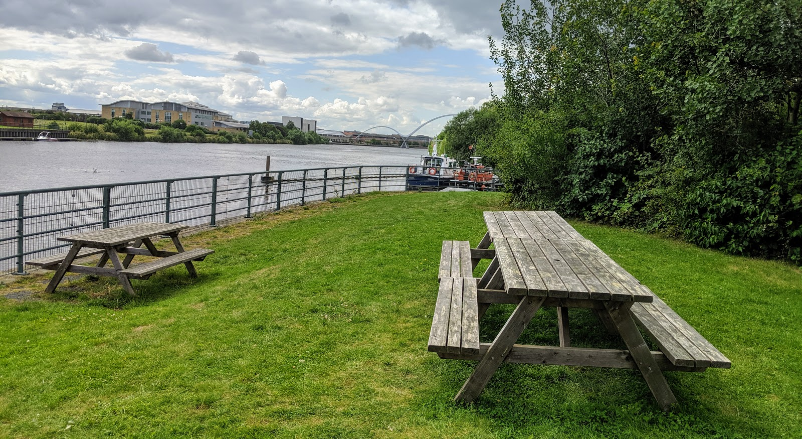 Air Trail Tees Barrage Review - picnic tables for spectators