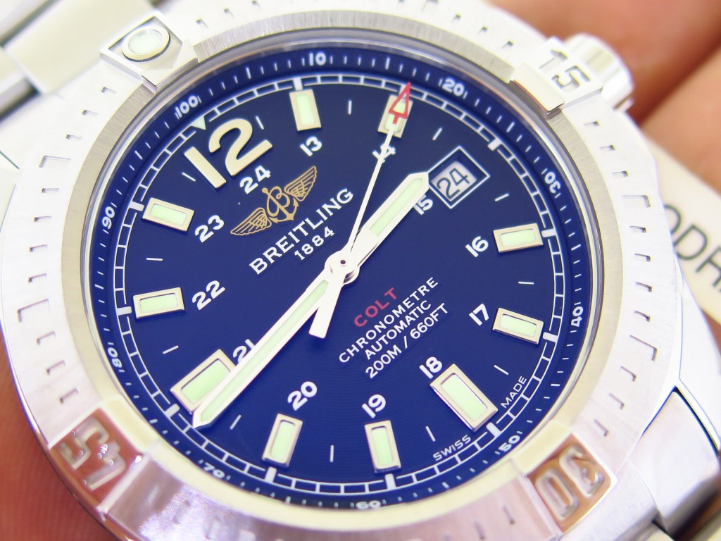 BREITLING COLT 44mm CHRONOMETRE 200m/660Ft - AUTOMATIC