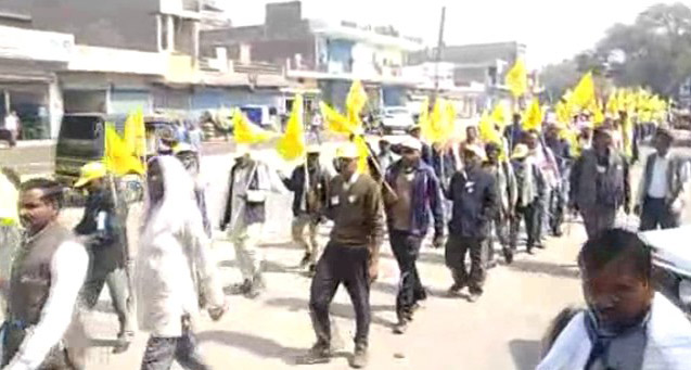 Thousands of farmers arrived in Faridabad, said one step away, Delhi, will fight for the battle