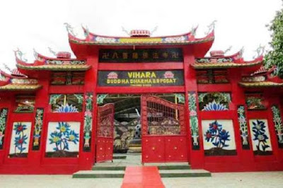 Vihara tempat ibadah umat beragama Budha - berbagaireviews.com