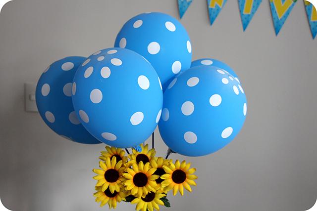 Festa com a Turma da Galinha Pintadinha : Balões com Pintinhas e Girassóis