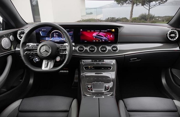 Interior Mercedes AMG E 53 Coupé Mild-Hybrid