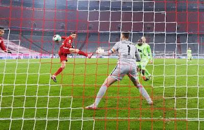 ملخص واهداف مباراة بايرن ميونخ وفولفسبورج (2-1) بالدوري الالماني