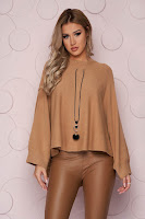 Pulover tip poncho