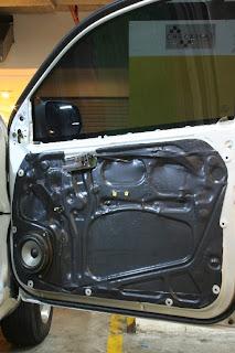 Pintu kendaraan beroda empat salah satu yang sering luput dari perhatian pemiliknya Tips Merawat Pintu Mobil