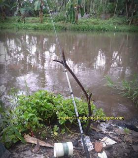 Mancing Ombyok Ikan Wader, Cara Jitu Dan Ampuh