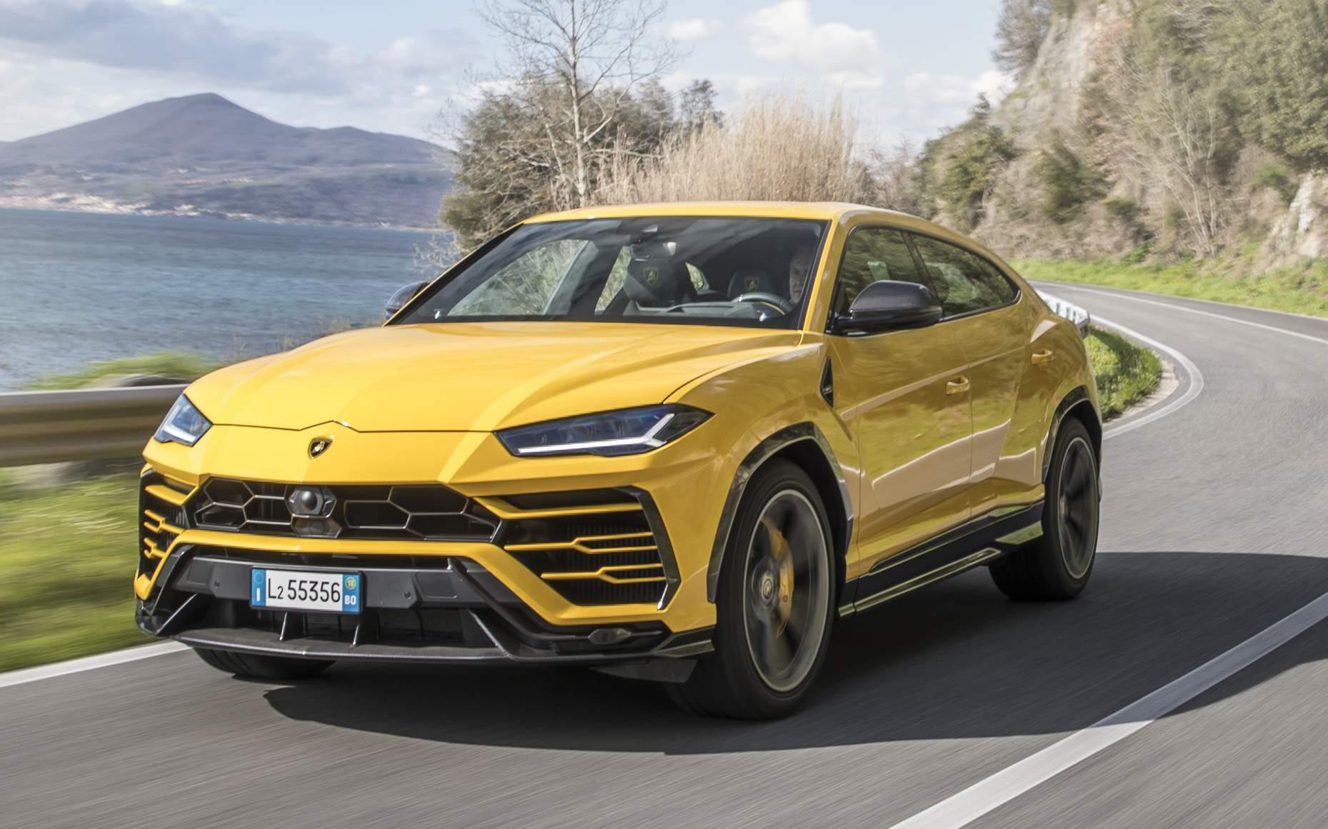 Lamborghini Urus SUV 2022 - Amarelo