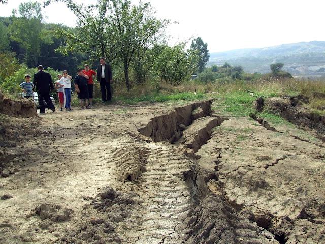 alunecări teren