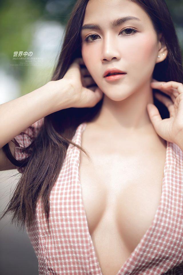 8 Foto Seksi Model Cantik namphung pitchayada