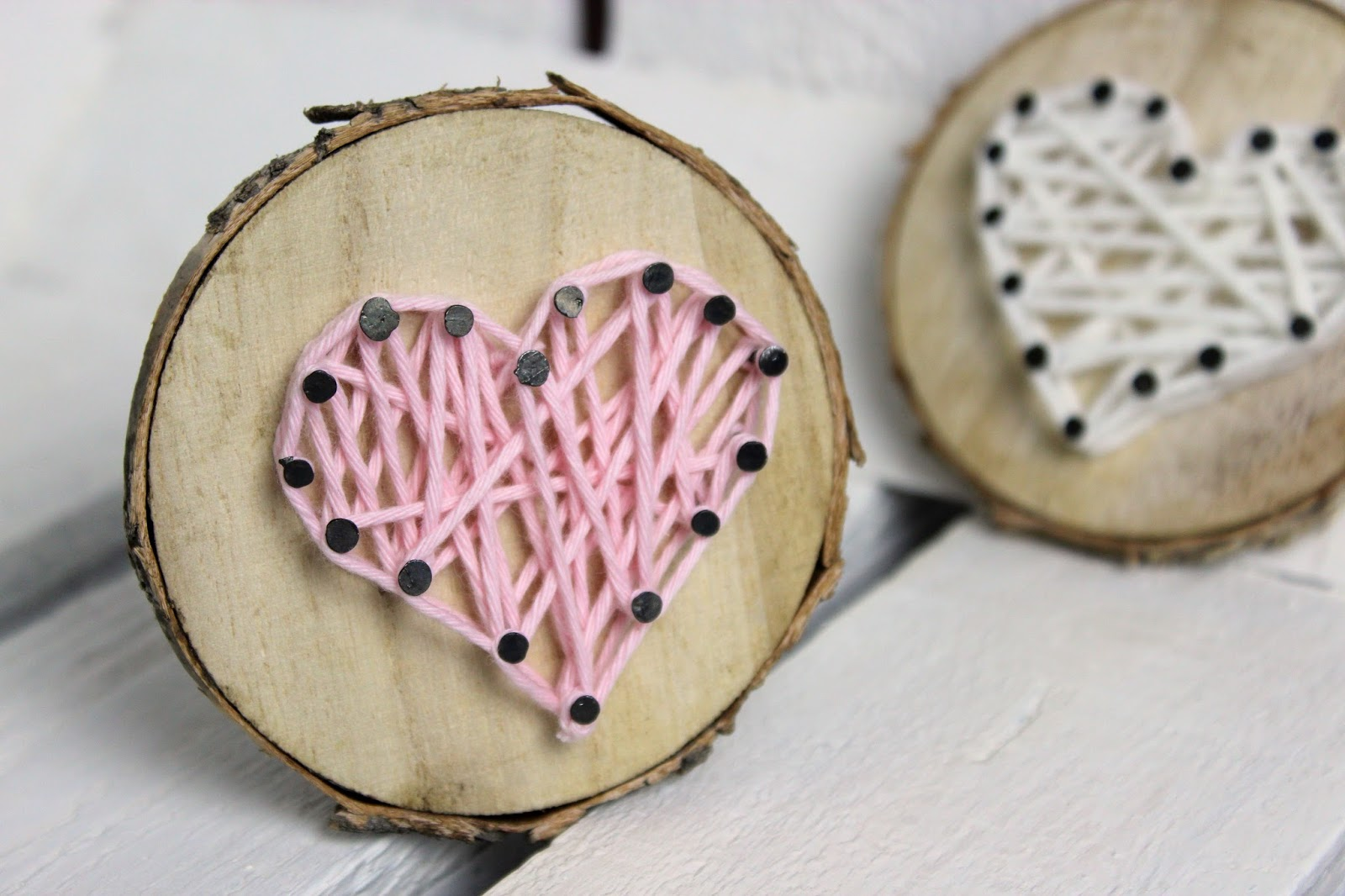 diy s es geschenk zum valentinstag baumscheibe mit herz in string art diycarinchen. Black Bedroom Furniture Sets. Home Design Ideas
