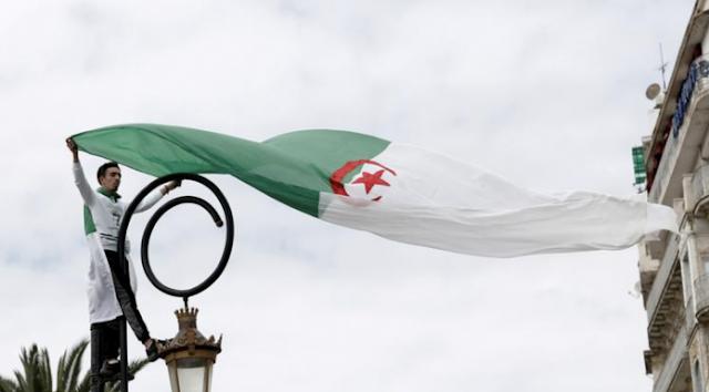 الجزائر: ترتيبات لزيادة السيطرة على وسائل الإعلام على الإنترنت