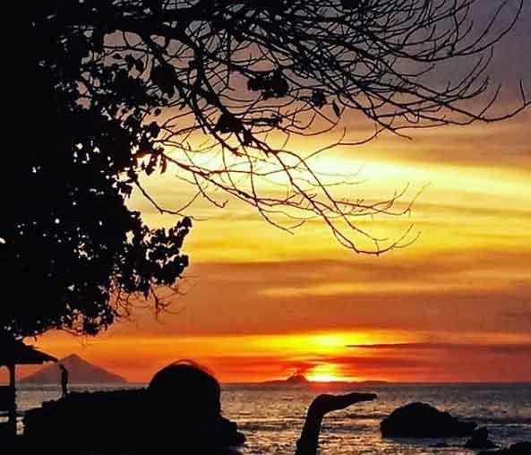 Wisata Air Di Pantai Anyer Banten