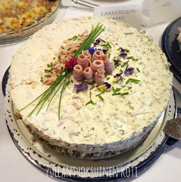 #voileipäkakku #pyöreävoileipäkakku #kinkkukakku #kinkku #suolainenkakku #leivonta #baking #resepti #recipe #saltybakings #partybakings #juhlakakku #juhlientarjottavat #rippijuhlat #rippijuhlamenu #party