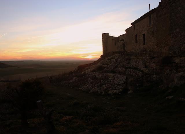 Puesta de sol en tierras de Castilla