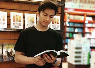 Thoriq Hafidz Baca Buku