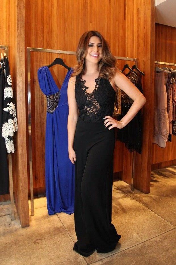 Fernanda Paes Leme roupa maior que ela