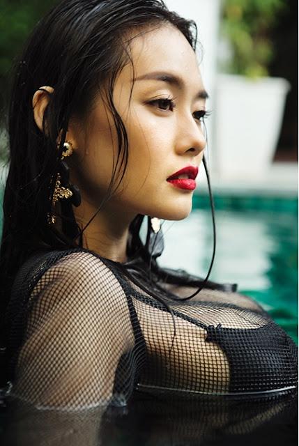 Á Hâu Linh Chi khoe ngực khủng 2