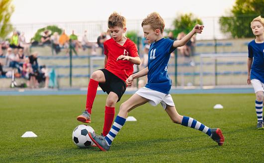5 Manfaat Bermain Sepak Bola Bagi Anak