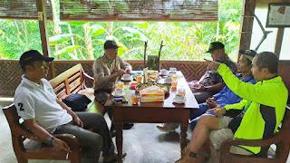 Pelepasliaran Sepasang Elang-ular Bido di Desa Ramah Burung Jatimulyo