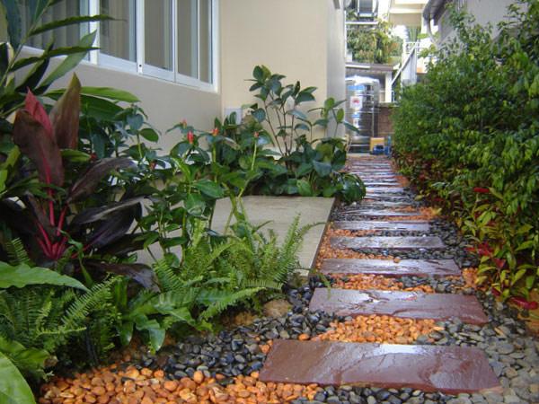 Hogares frescos 35 rutas preciosas para una casa con - Jardines interiores en casas modernas ...