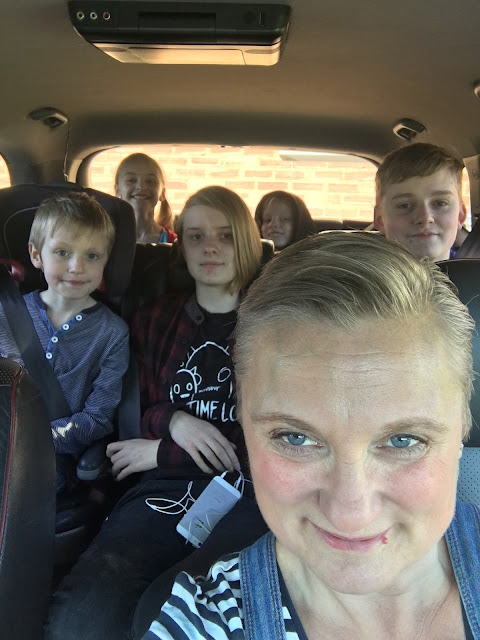 madmumof7 and family in car