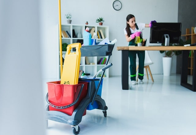 how to choose commercial cleaning services businesses