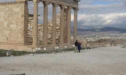 sto-mousio-tis-akropolis-o-ompama