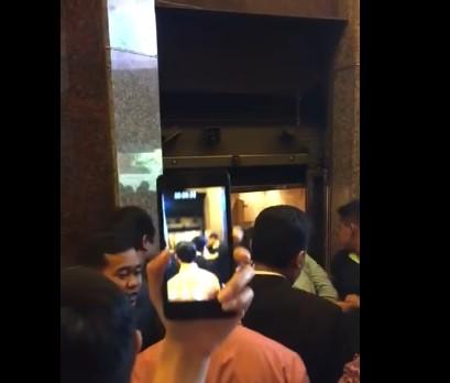 Innalillahi Lift BRI Jatuh dari Lantai 3, Inilah Video Detik-Detik Jatuhnya
