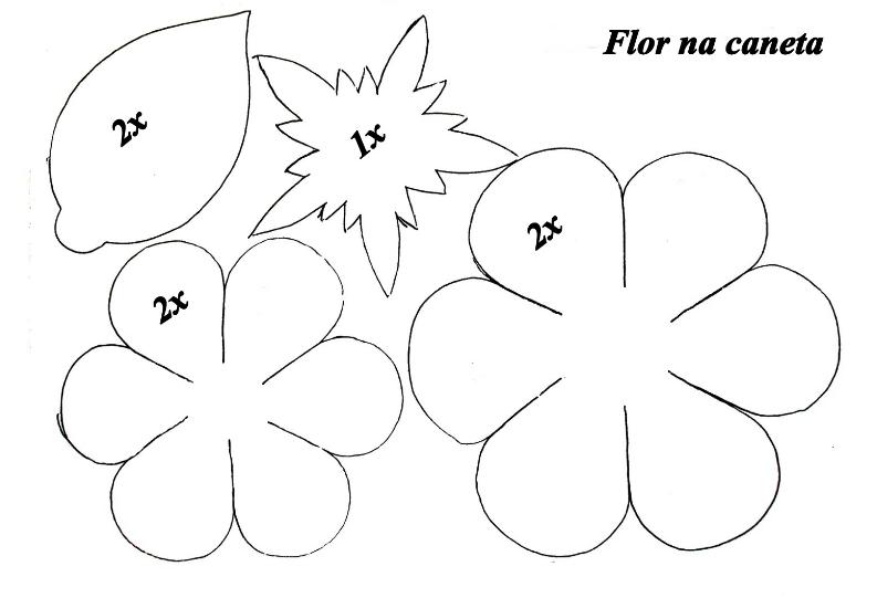 c7d7c90ee1d Aprende cómo hacer rosas en foami para regalar mira este tutorial ...