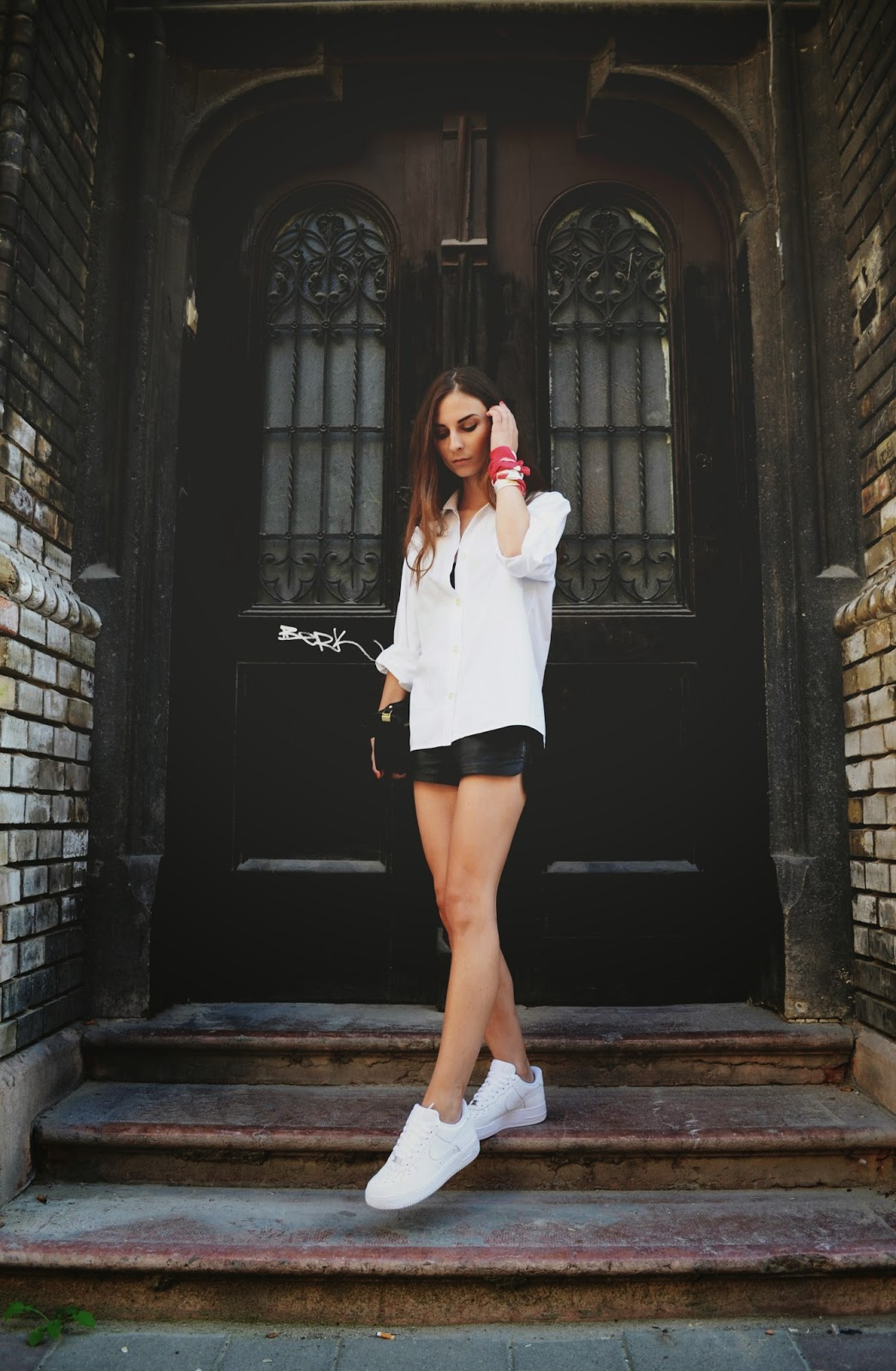 a7b2f46ddfebea Girl Wearing Nike Air Force Shoes Air Max 97 Shady Records