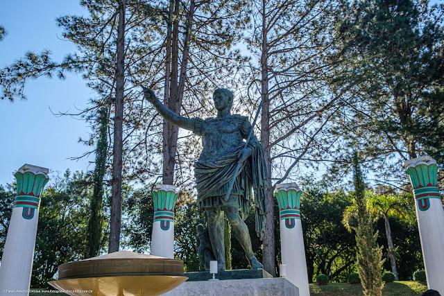 estátua de César Augusto