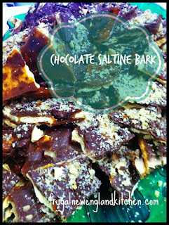 Christmas Chocolate Caramel Saltine Bark