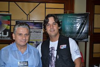 Roberto Pinotti e o conferencista Ataide Ferreira (AMPUP)