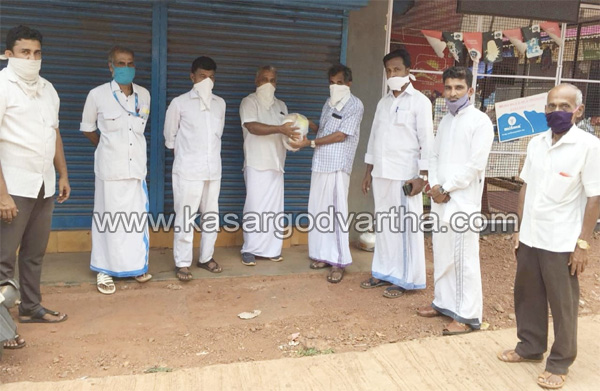 Kerala, News, Artisans and Skilled General Workers STU distributed Ramadan kits