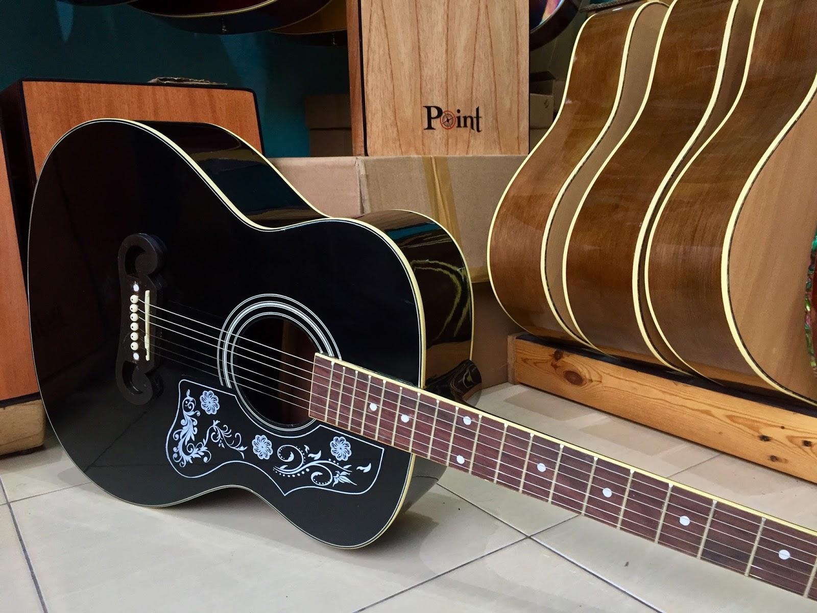 Gitar Akustik Gibson Bulat J 200 Softcase