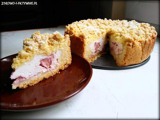 Ciasto kruche z serem i truskawkami