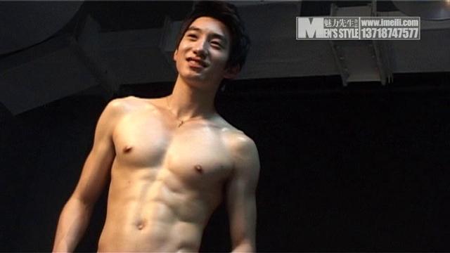 Mens Style – King Peng Xuan