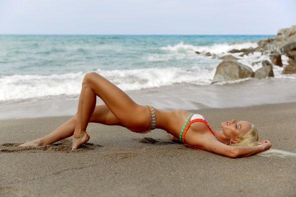 Ilya Bukowski arte fotografia fashion mulheres modelos biquinis roupas de banho praia beleza Karina