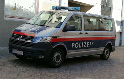 محكمة,فيينا,تدين,شرطيا,بسنة,سجن