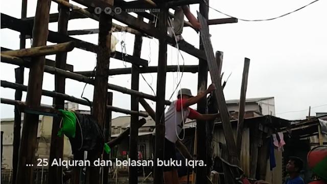 Rumah Warga Semarang Hancur Diterjang Ombak, Namun 25 Al Qur'an Masih Utuh